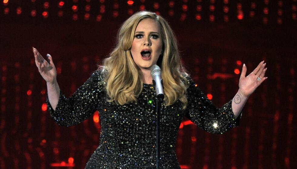 OVERRASKET: Den britiske sangeren Adele Adkins (29) sparte ikke på kruttet da hun tilbød å arrangere bryllupet til et vennepar i januar. Foto: NTB Scanpix