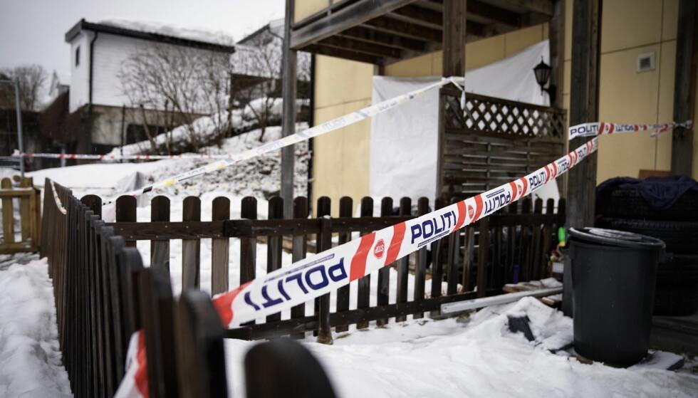 SKYTING: Flere skudd ble avfyrt gjennom et vindu i en leilighet på Fjellhamar på Lørenskog. En mann og en kvinne ble truffet av skuddene. Foto: Øistein Norum Monsen / Dagbladet.