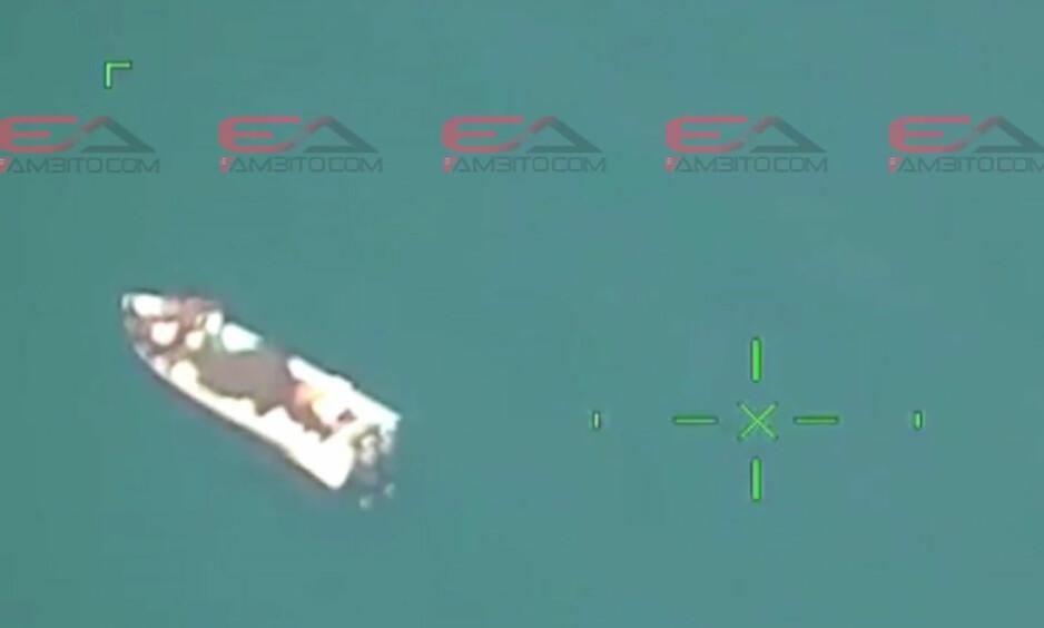 NARKOTATT: Speedbåten som ble tatt i nærheten av Mexico skal ha vært fullastet med kokain. Politiet mener en tidligere narkodømt nordmann er en av hovedmennene bak. Foto: Colombiansk politi