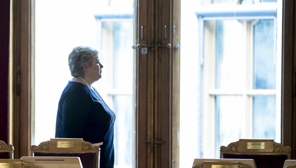 <strong>Gir ikke innsyn:</strong> Statsminister Erna Solberg vil ikke gi offentligheten innsyn i egen kalender. Det bidrar til å skape en farlig maktubalanse, mener Dagbladet. Foto: Vidar Ruud / NTB scanpix