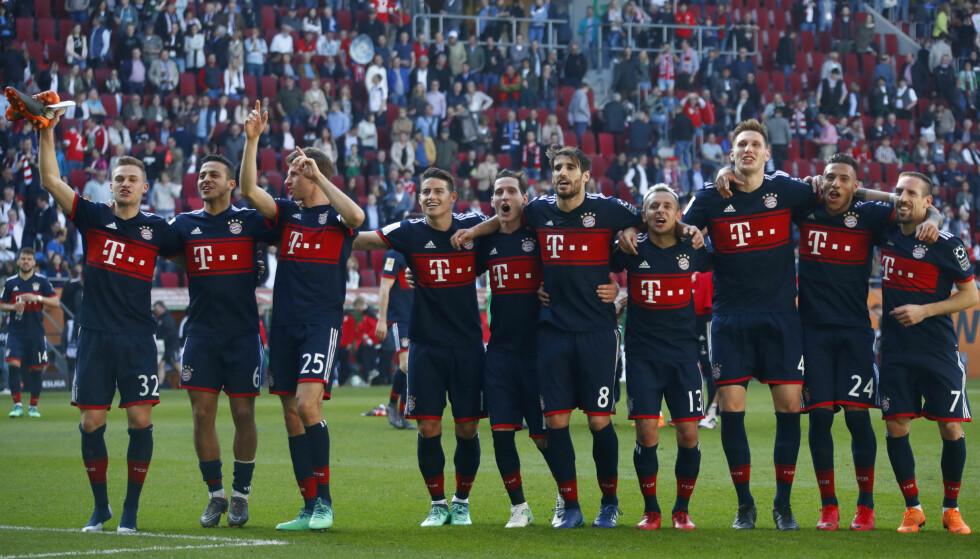 OVERLEGNE: Bayern München sikret sin sjette strake ligatittel lørdag. Foto: AP Photo/Matthias Schrader