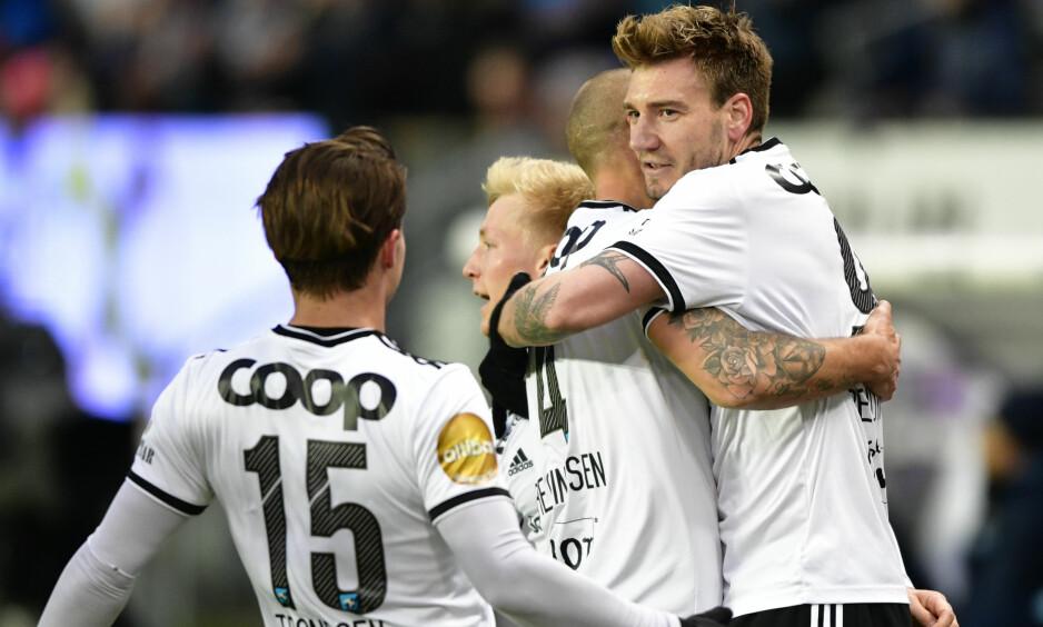 HAN BESTEMMER: - Nicklas Bendtner ville spille til venstre. Da ble det sånn, sier Alexander Søderlund. Foto: Ole Martin Wold / NTB scanpix