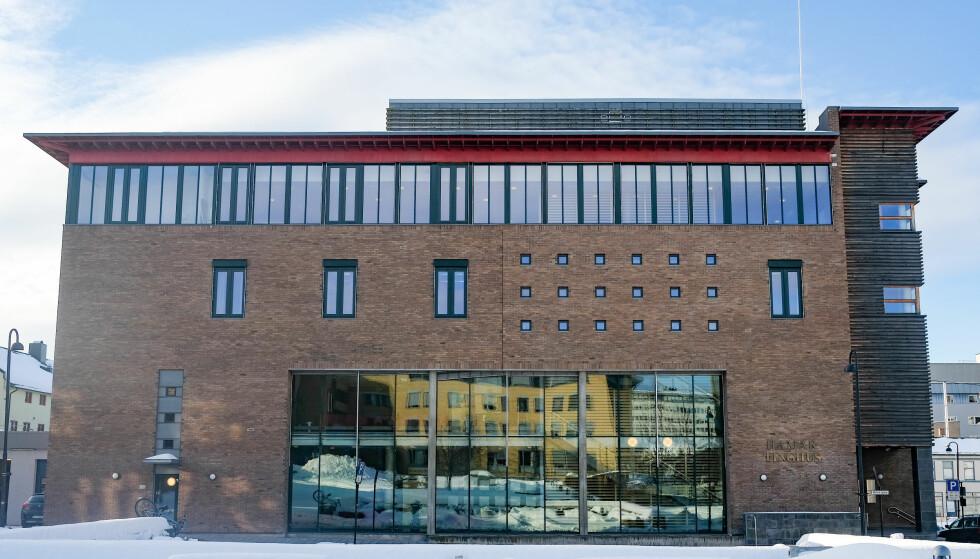 FORLENGET: Ektemannen til Janne Jemtland ble i Hedmarken tingrett mandag fengslet i tolv nye uker. Foto: Fredrik Hagen / NTB scanpix