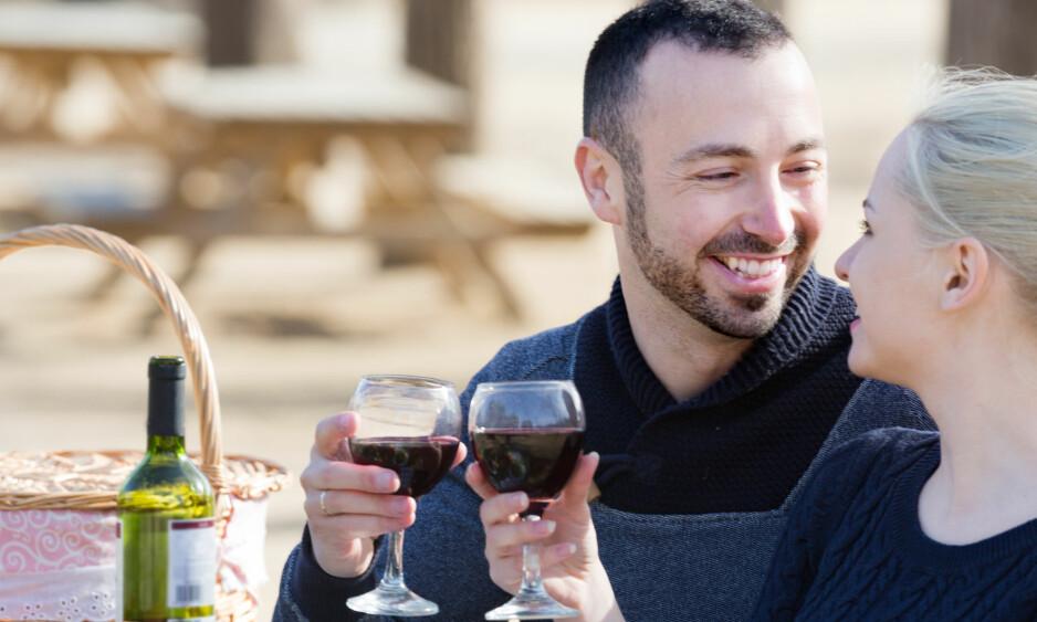 GODT VALG: Prisene er relativt rimelige og tysk spätburgunder vil for mange kunne være et fint alternativ til enkle burgundere som leskende rødvin i vårsola. Foto: Shutterstock / NTB Scanpix
