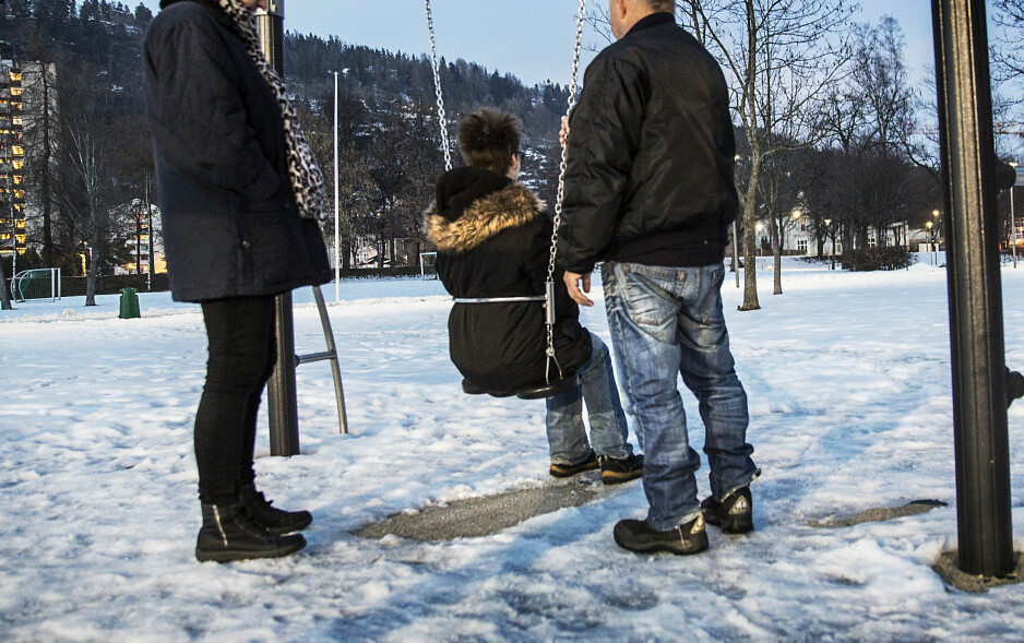 FÅR STØTTE: Moren får støtte av sine foreldre i kampen for å få tilbake den tvangsadopterte sønnen. Foto: Nina Hansen / Dagbladet