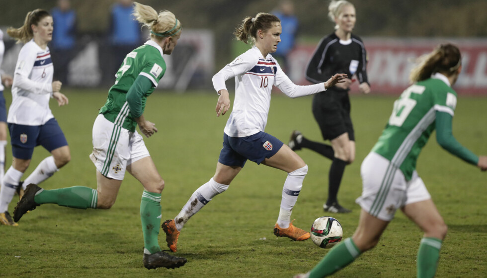 MÅLSCORER: Graham Hansen scoret to for Norge i kampen mot Nord-Irland. Foto: Roald, Berit/NTB scanpix
