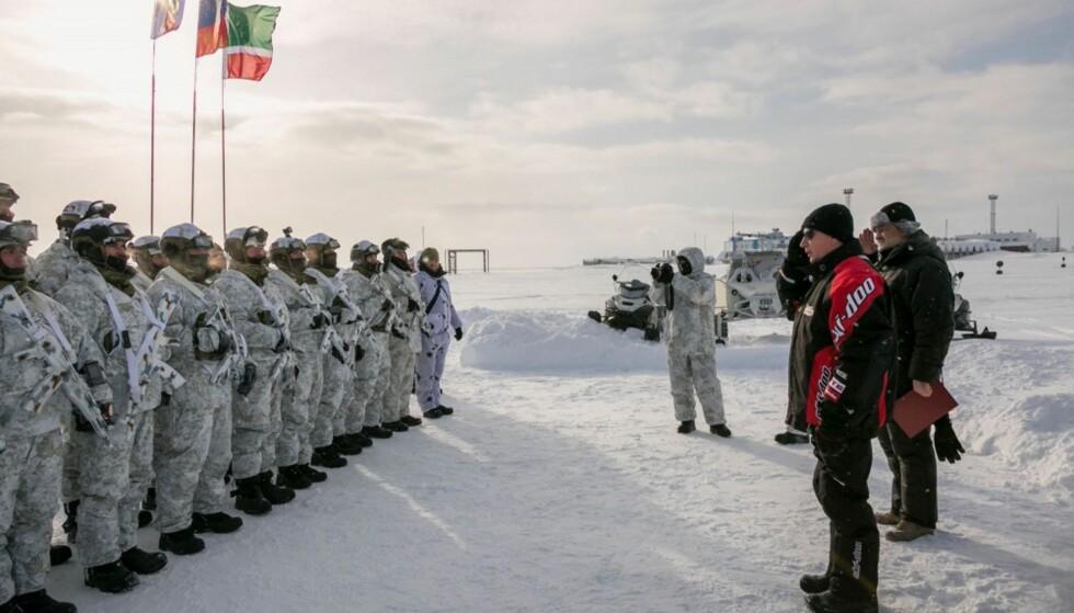 PÅ PLASS I ARKTIS: Nasjonalgarden på plass på Franz Josefs land. Foto: Marina Kovtun on Twitter (med tillatelse)