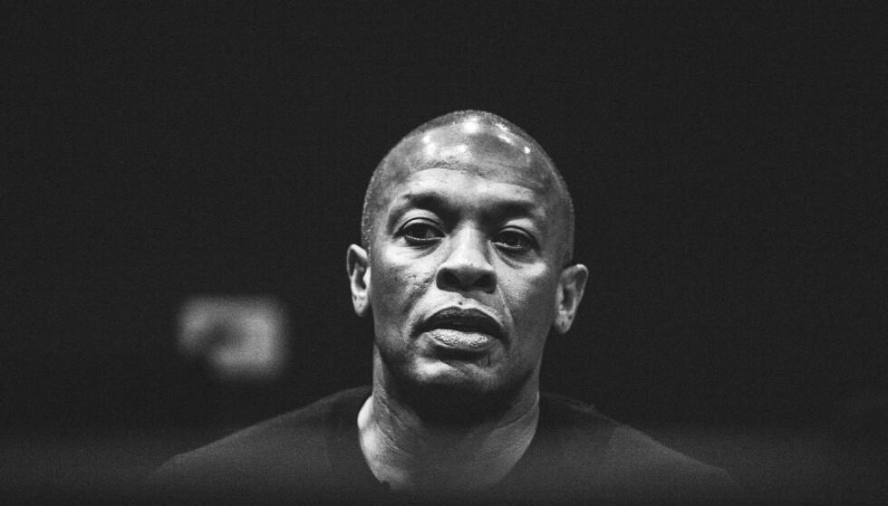 MUSIKKLEGEN: Musikk- og forettningsmilliardær, Andre «Dr. Dre» Young (53), skjuler lite i dokumentarminiserien «The Defiant Ones». Foto: Netflix / HBO.