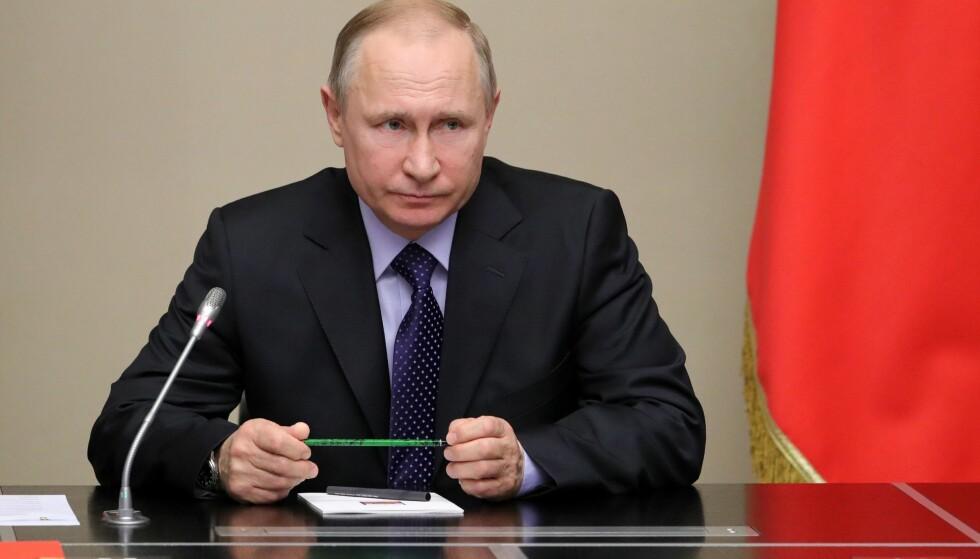 FRAKTER GASS: President Vladimir Putin forsikret fredag at Russland vil fortsette å frakte gass gjennom rørledningene i Ukraina så lenge det er økonomisk forsvarlig. Mikhail Klimentyev / AFP / Sputnik / Scanpix