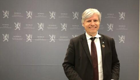 VIL HA INNSPILL: Klima- og miljøminister Ola Elvestuen har bedt bransjen om innspill til hvordan man best kan redusere bruken av engangsartikler i plast. Foto: Elisabeth Dalseg