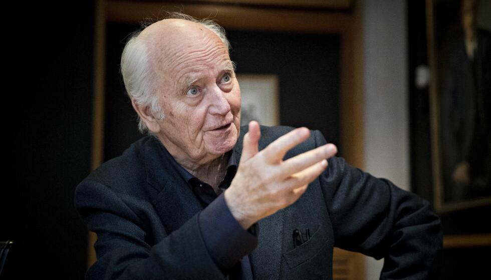 ENGASJERT: Thorvald Stoltenberg var aktiv samfunnsdebattant helt til det siste. Foto: Bjørn Langsem / Dagbladet.
