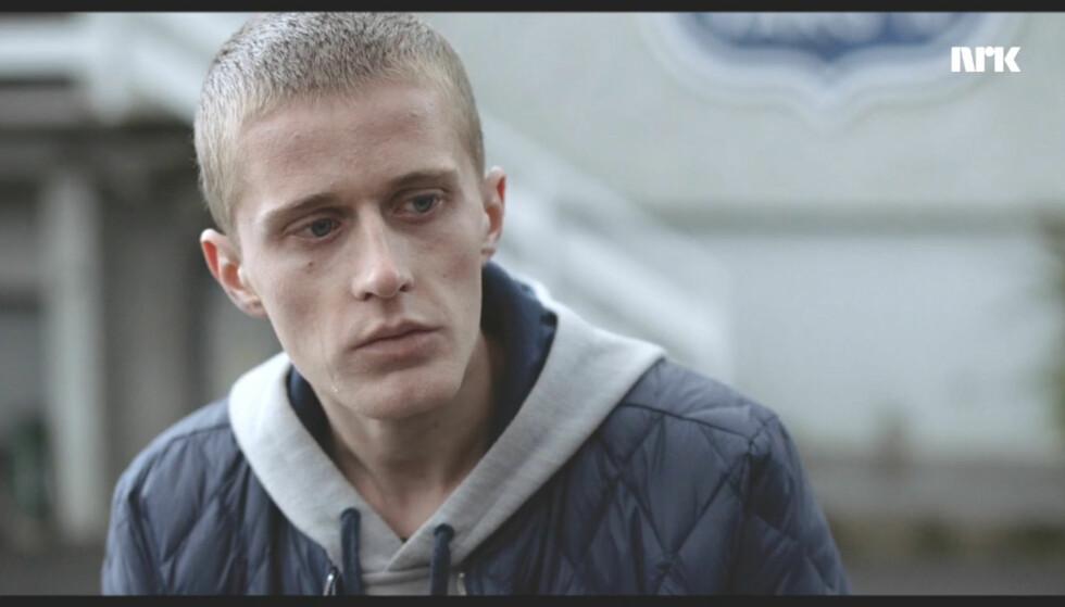 IKKE SLIK: Vargs supertalent, 18-årige Adrian (Axel Bøyum), blir sviktet av flere i ukas episode av fotballdramaserien. Foto: NRK