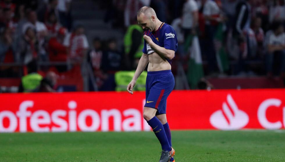 STERKT ØYEBLIKK: Andres Iniesta tørket synlig noen tårer etter cupgullet med Barcelona ble sikret lørdag. Foto: REUTERS/Juan Medina