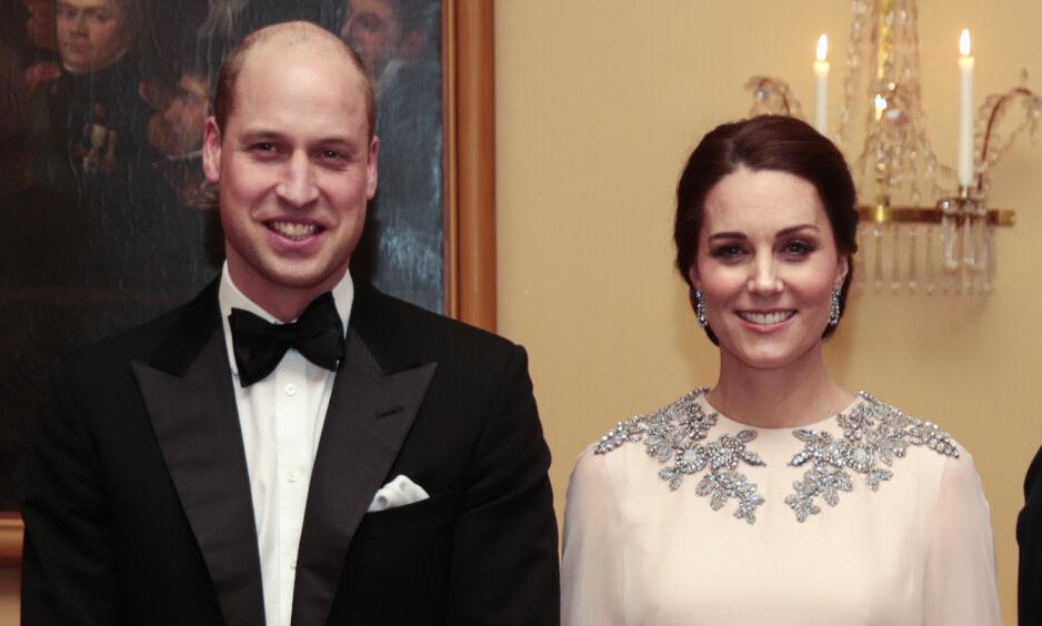 FAMILIEFORØKELSE: Fire blir til fem når Kate og William ønsker sitt tredje barn velkommen til verden. Fra før har paret barna George og Charlotte. Foto: NTB scanpix