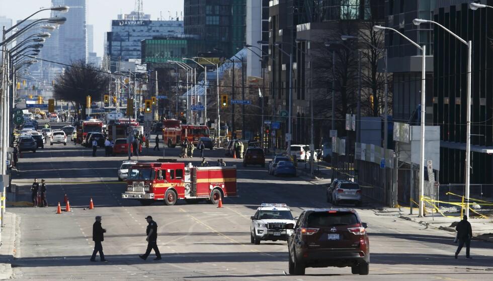 AVSTENGT: Politisjef Mark Saunders forteller at hendelsen begynte nær krysset mellom Younge Street og Finche Avenue, og fortsatte langs Younge Street. Foto: NTB Scanpix