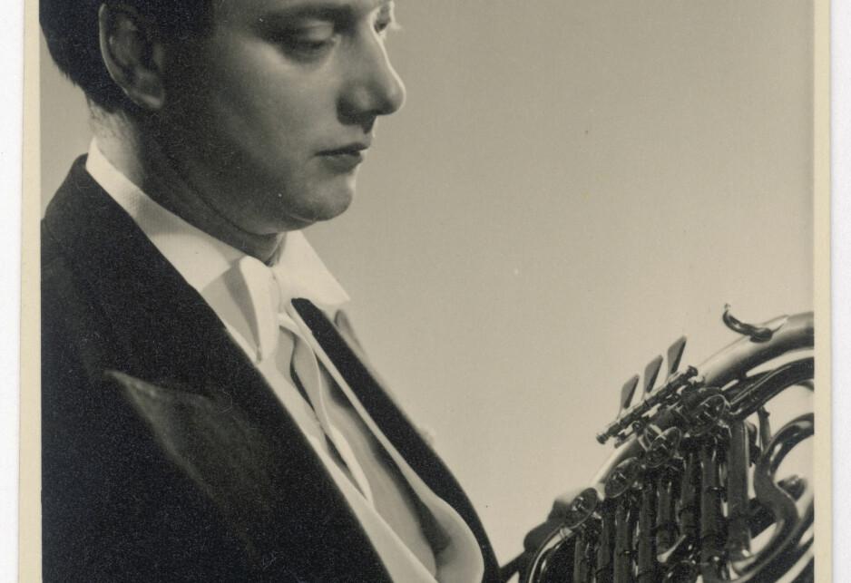 EN LEGENDE: Dennis Brain døde i 1957, men få har nådd opp på hans nivå som hornist siden den tid. Foto: Mary Evans Picture / NTB scanpix