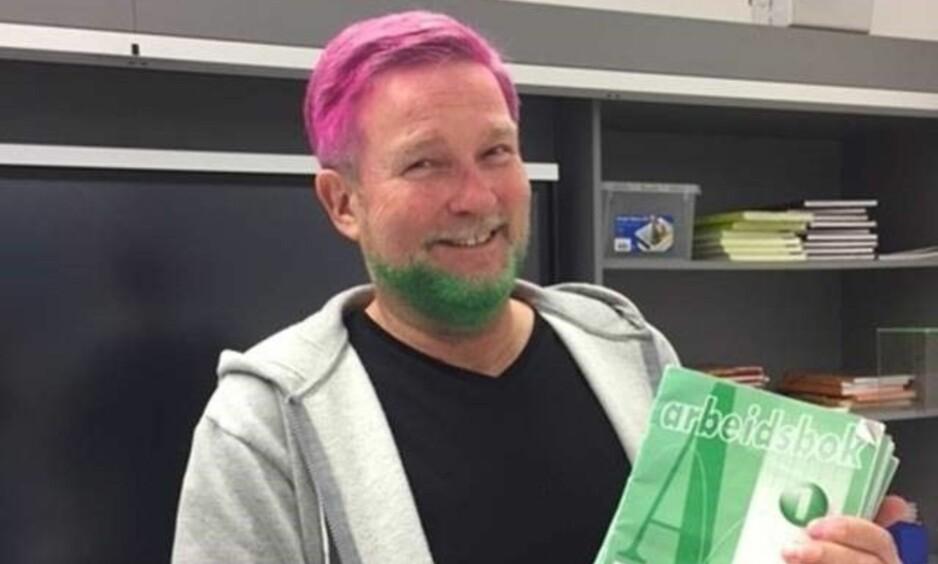 FARGET HÅRET: Endre Warholm ble nødt til å farge håret rosa, og skjegget grønt, da han tapte veddemålet mot elevene på barneskolen. Foto: HELGA HOUGSNÆS WATHNE