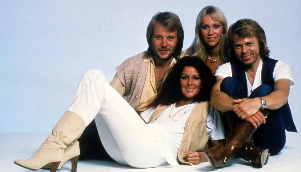 GJENFORENES: Abba spiller en ny musikk sammen: Fra høyre: Björn Ulvaeus, Agnetha Fältskog, Anni-Frid Lyngstad og Benny Andersson. Bildet ble tatt i 1977. Foto: NTB scanpix