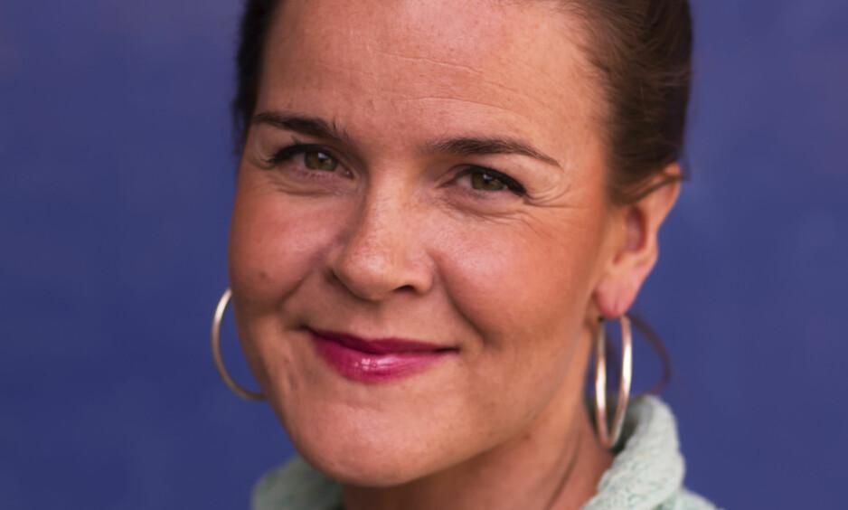 DOKUMENTARROMAN: Lena Lindahl har skrevet historien om Betzy Rosenberg, som gjemte seg for nazistene under krigen. Foto: CAPPELEN DAMM