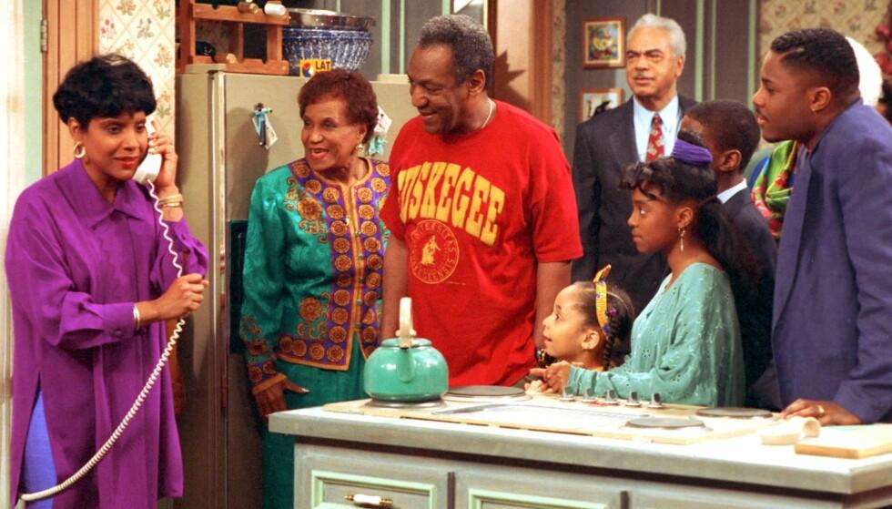 ALLES FAMILIE: Phylicia Rashad og Bill Cosby spilte Clair og Cliff Huxtable, og var alles foreldre. Så kom overgrepsanklagene mot Cosby. Foto: AP / Scanpix.
