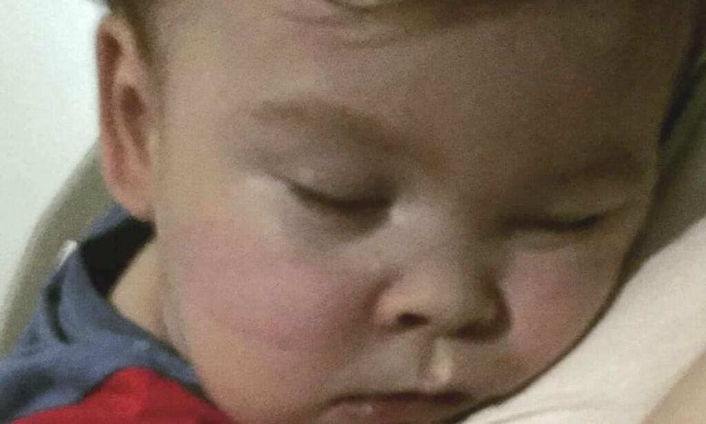 image: Slik var foreldrenes kamp for å holde Alfie (2) i live