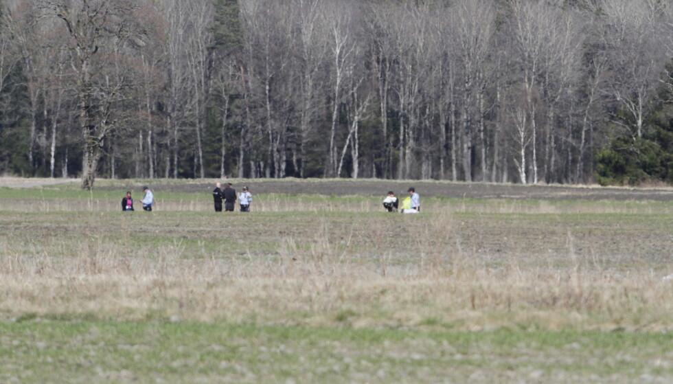 ÙLYKKE: En mann i 80-årene døde i en fallskjermulykke på Jarlsberg flyplass utenfor Tønsberg søndag ettermiddag. Foto: Peder Gjersøe / NTB scanpix