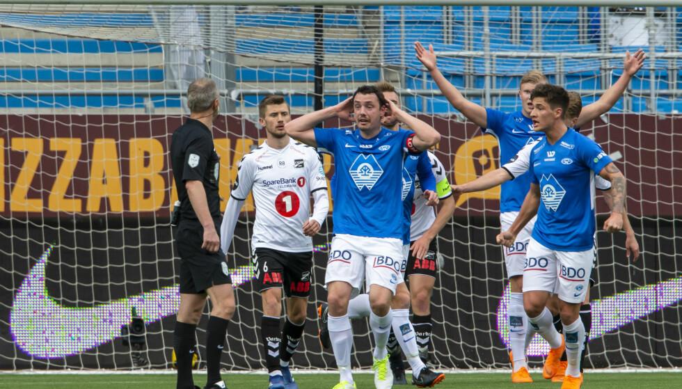 VANT I MOLDE: Odd slo Molde på Aker stadion søndag kveld. Vegard Forren var involvert i baklengsmålet. Foto: NTB/Scanpix