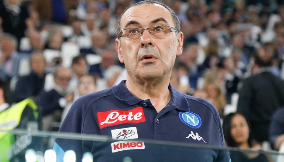 SVIKTET: Napoli og trener Maurizio Sarri er plutselig fire poeng bak serieleder Juventus etter kollapsen mot Fiorentina søndag. Foto: Ciro de Luca/NaFoto