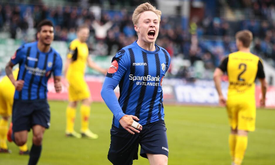 TALENT: Ola Brynhildsen kan ha en lovende fremtid. Mandag sto 19-åringen frem og scoret to mål i bunnkampen mot LSK. Foto: NTB scanpix / Åserud, Lise
