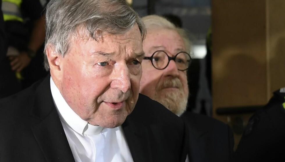 TILTALT: Kardinal George Pell må møte i retten i Australia, tiltalt for flere seksuelle overgrep. Foto: AFP PHOTO / WILLIAM WEST / NTB scanpix