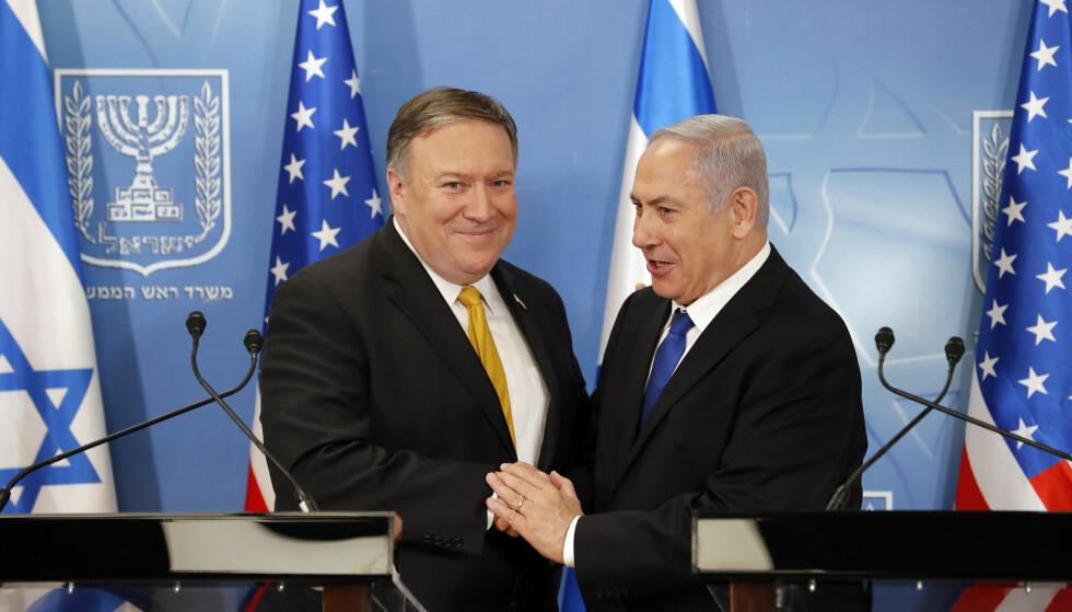 SAMSTEMTE: USAs utenriksminister Mike Pompeo sammen med Israels statsminister Benjamin Netanyahu. Foto: Thomas Coex, AFP via AP / NTB scanpix