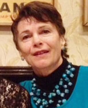 EKS-ELEV: Elisabet B. Breen (63) gikk både barne- og ungdomstrinnet hos en DELK-skole. Det har gjort varig inntrykk. Foto: Privat