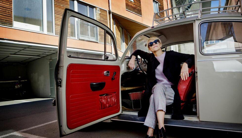 LIDENSKAP: Gullruten-aktuelle Sigrid Bonde Tusvik elsker gamle biler. Selv kjører hun en Porsche fra 1994.