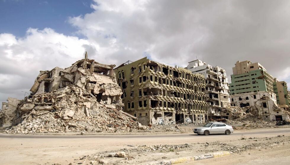 KRIGEN ØDELA ALT: Slik ser det i dag ut på stedet der en av Benghazis fineste strandpromenader lå. Foto: NTB Scanpix