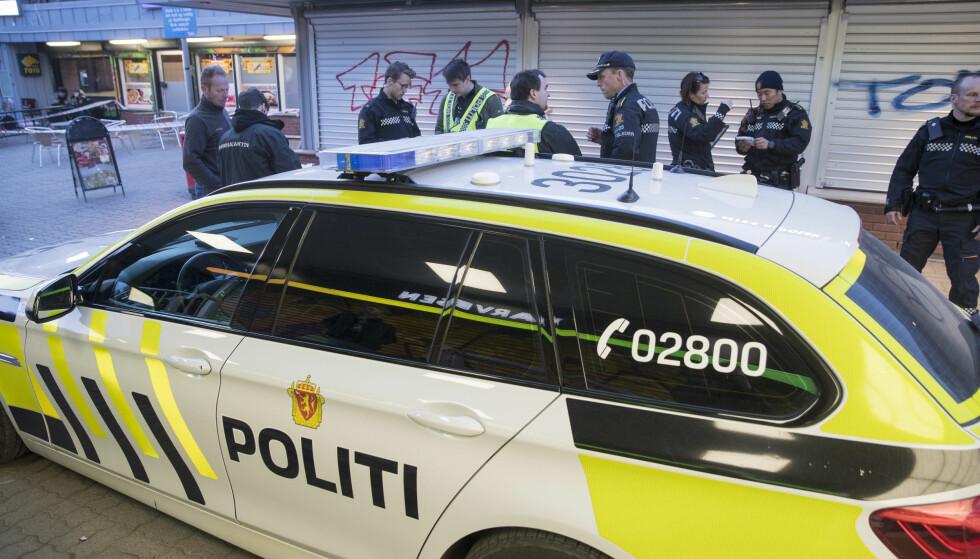 Skyting: Politiet har rykket ut til Vestli i Groruddalen lørdag kveld etter meldinger om skyting og bråk mellom ungdommer. Foto: Vidar Ruud / NTB scanpix