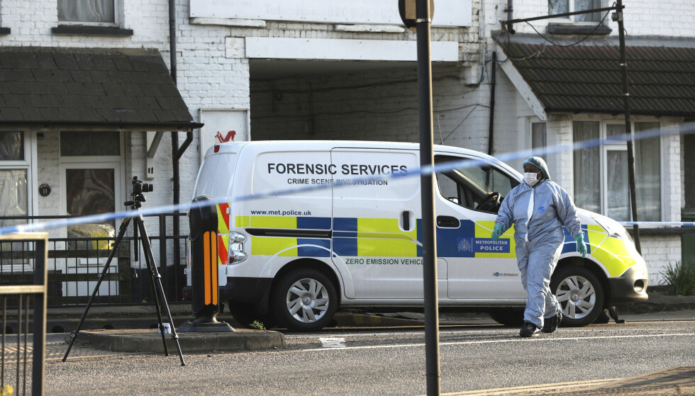 ÅSTEDET: Politiet jobbet søndag på stedet hvor de to guttene ble skutt. Foto: AP / NTB Scanpix