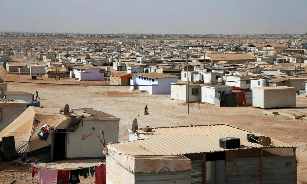 INHUMANT: Et flyktningsystem basert på oppbevaring av mennesker i flyktningleirer i nærområdene er inhumant. Et slikt system institusjonaliserer et liv i uverdige forhold, skriver artikkelforfatteren. På bildet er Al-Zaatari i Jordan, nær grensen til Syria. Foto: Ammar Awad / Reuters / NTB scanpix