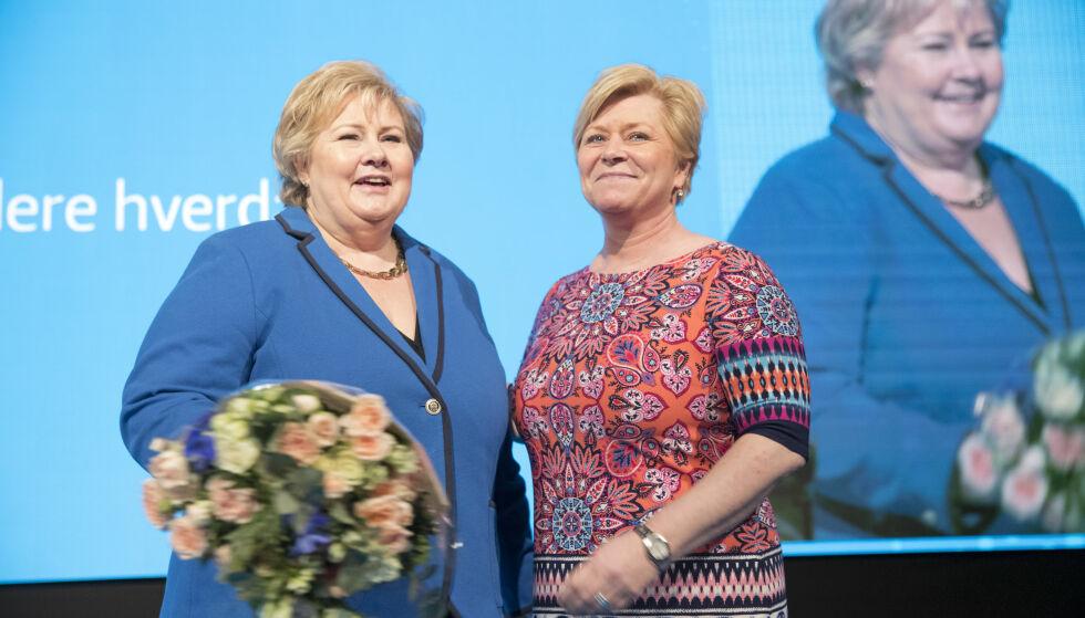 Verken statsminister Erna Solberg (H) eller Frp-leder Siv Jensen merker noe særlig til regjeringsslitasje. I alle fall vises det ikke på målingene som gir de borgerlige nytt flertall. Foto: Terje Bendiksby / NTB scanpix