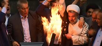 Iranske folkevalgte satte fyr på amerikansk flagg. Ropte «Død over Amerika»