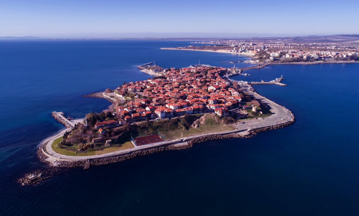 GAMLEBYEN: I utkanten av Sunny Beach finnes Nesebărs gamleby, med en historie som går 3000 år tilbake i tid.