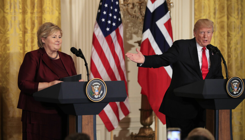 USIKKER: Statsminister Erna Solberg (H) sier det gjenstår å se hva som blir konsekvensene av Donald Trumps kunngjøring om å trekke USA ut av atomavtalen med Iran. Foto: Manuel Balce Ceneta / AP / NTB Scanpix