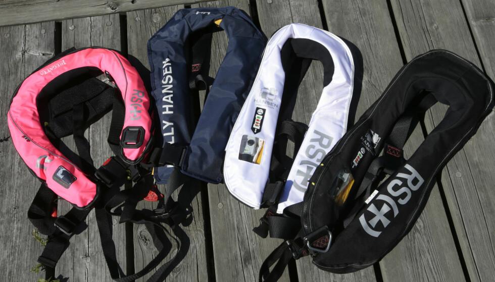 PÅBUDT: Redningsvest er påbudt i småbåter, og antall drukningsulykker fra båt synker kraftig. Redningsselskapet påpeker at sikkerhet også er viktig for folk som oppholder seg på brygger og andre steder ved sjøen. Foto: Vidar Ruud / NTB scanpix
