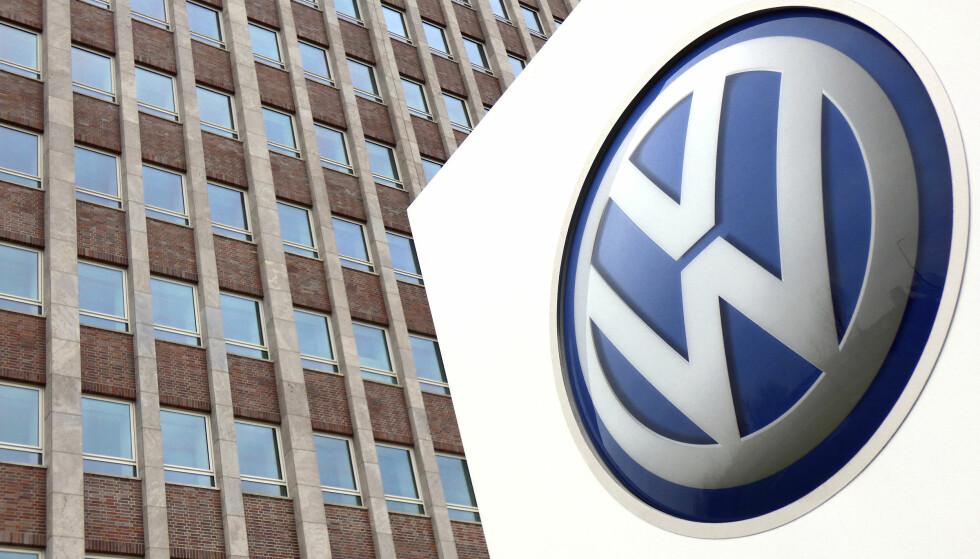 TILBAKEKALLES: Volkswagen må tilbakekalle et stort antall biler på verdensbasis. Foto: AP Photo/NTB scanpix