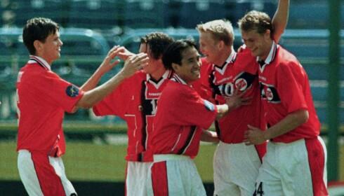 GULLÅRGANG: Steffen Iversen og Norges U21-landslag herjet i U21-EM i 1998 og tok bronsen. Foto: Photo by Radu Sigheti REUTERS