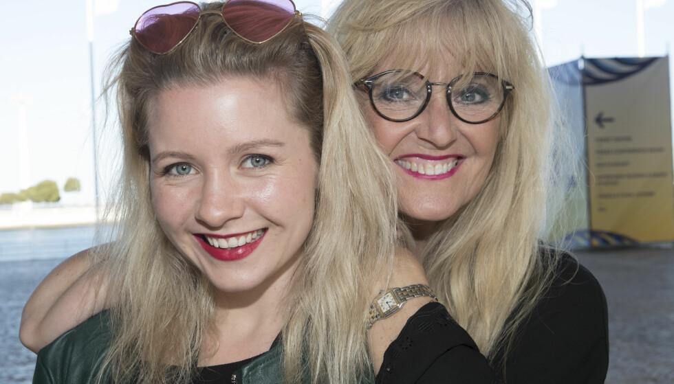 I LISBOA: Hanne Krogh og datteren Amalie er på plass under årets Eurovision Song Contest. Foto: Terje Bendiksby / NTB scanpix