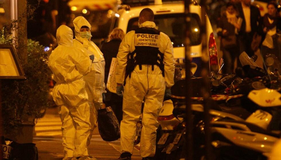 ÉN DREPT: Knivmannen drepte én og skadet fire personer i et knivangrep i Paris lørdag kveld. Foto: AFP PHOTO / Geoffroy VAN DER HASSELT
