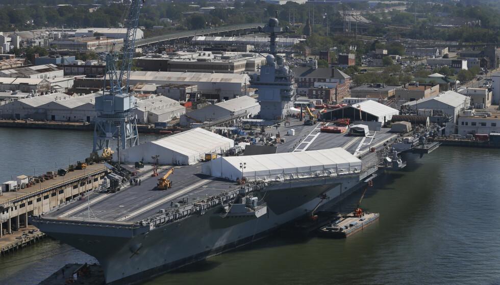 KOSTBART: USS «Gerald R. Ford» koster kommer til å koste mer enn 13 milliarder dollar. Hangarskipet er det første i klassen som skal erstatte Nimitz-klassen som først ble bestilt i 1975. Foto: Photo/Steve Helber