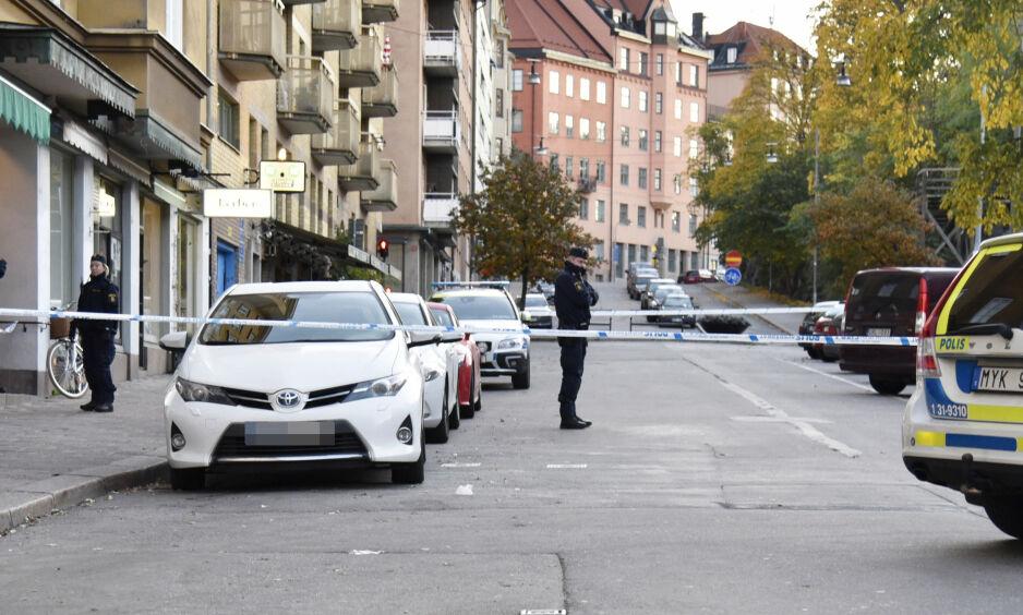 DREPT: Onsdag 18. oktober i fjor ble en 25 år gammel mann drept i Södermalm. 17 timer seinere meldte leietakeren seg for politiet. Foto: Thommy Tengborg / TT / NTB Scanpix