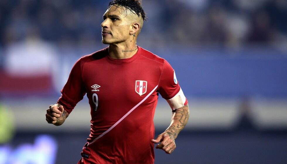 UTESTENGT: Paolo Guerrero får ikke delta i fotball-VM. Foto: NTB scanpix