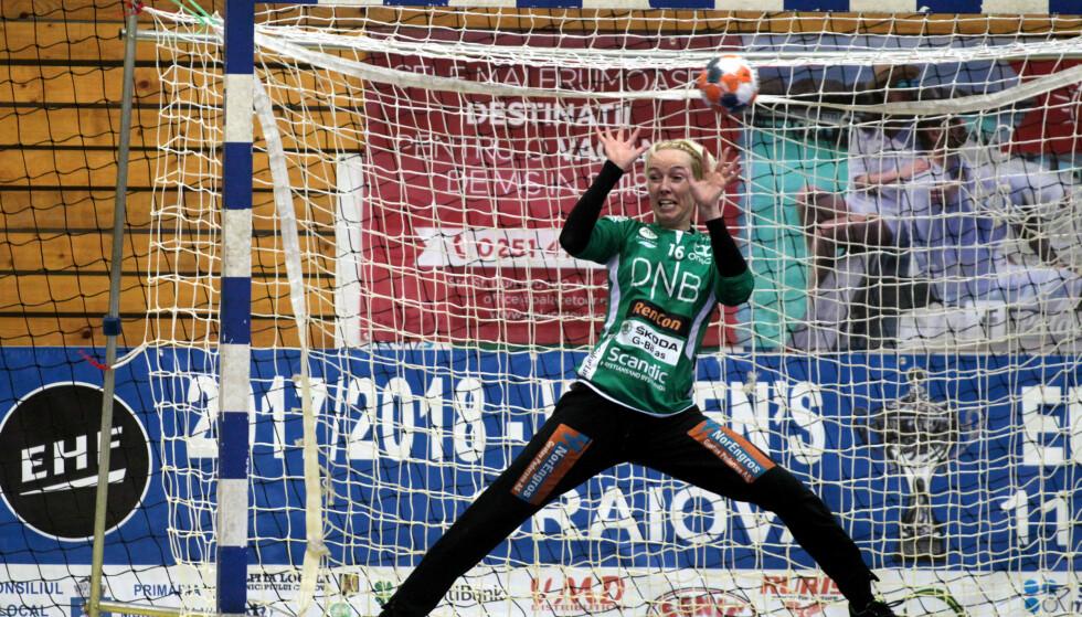 SLO TILBAKE: Målvakt Katrine Lunde stengte buret da Vipers Kristiansand snudde kampen mot Larvik. Foto: Aleksandar Djorovic / NTB scanpix